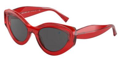 Il modello Alain Mikli 5064 003 87 è esclusivo per la sua forma a farfalla e per l' ottima calzata sul naso. Le aste Il colore della montatura è un rosso traslucente il rouge Mikli, mentre le lenti sono grey. Le aste più alte riparano dalla luce i laterali.